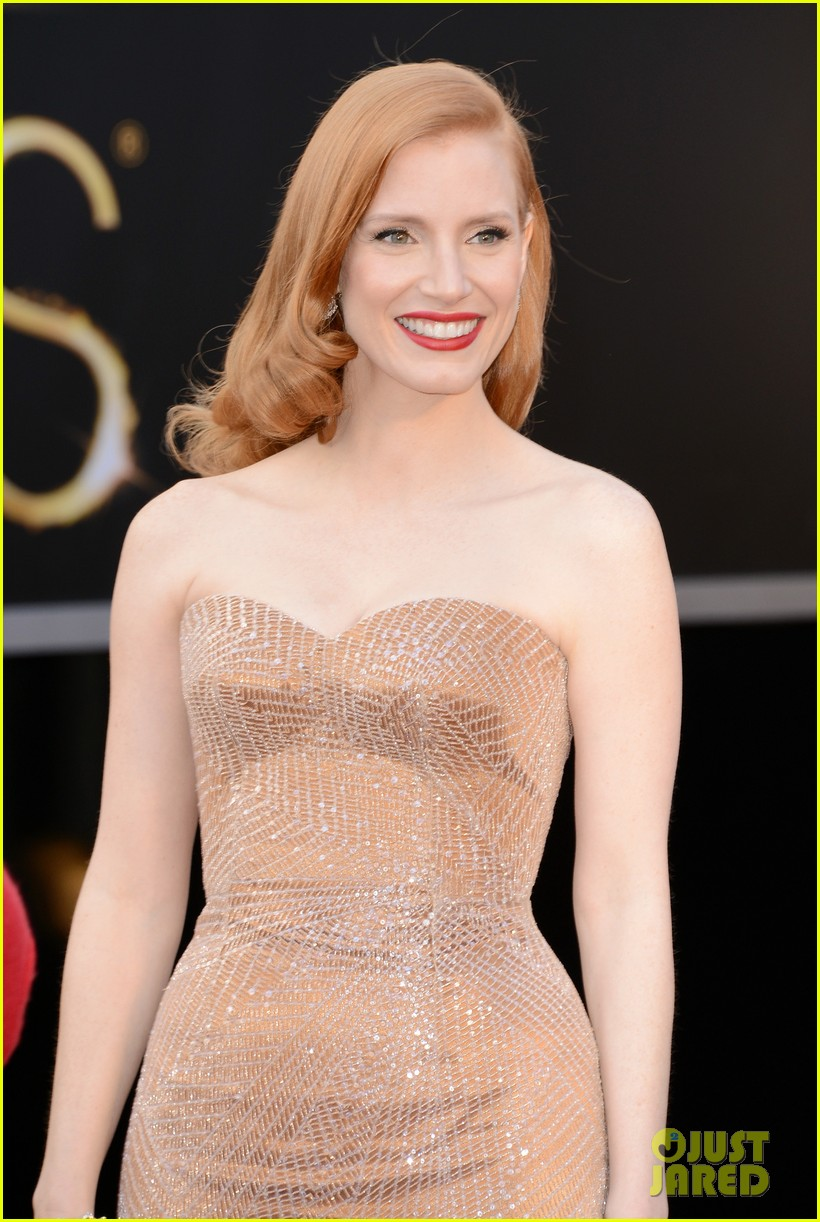 jessica chastain oscars 2013 red carpet 02