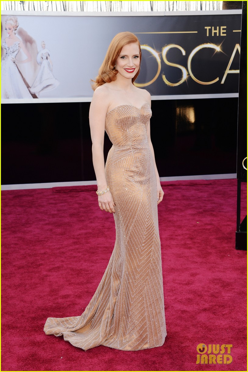 jessica chastain oscars 2013 red carpet 03