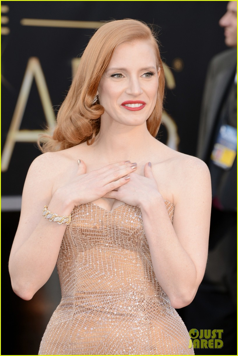 jessica chastain oscars 2013 red carpet 04
