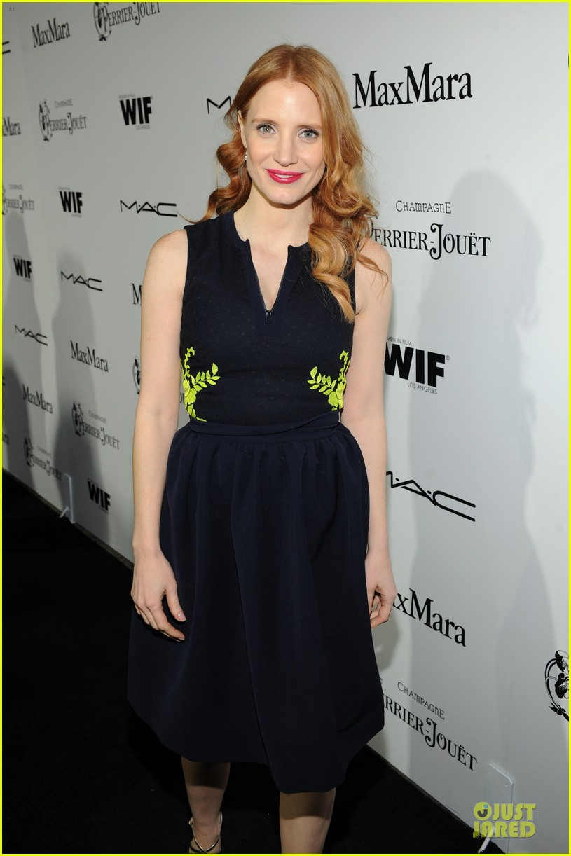 jessica chastain daniel radcliffe women in film pre oscar cocktail party 112817497