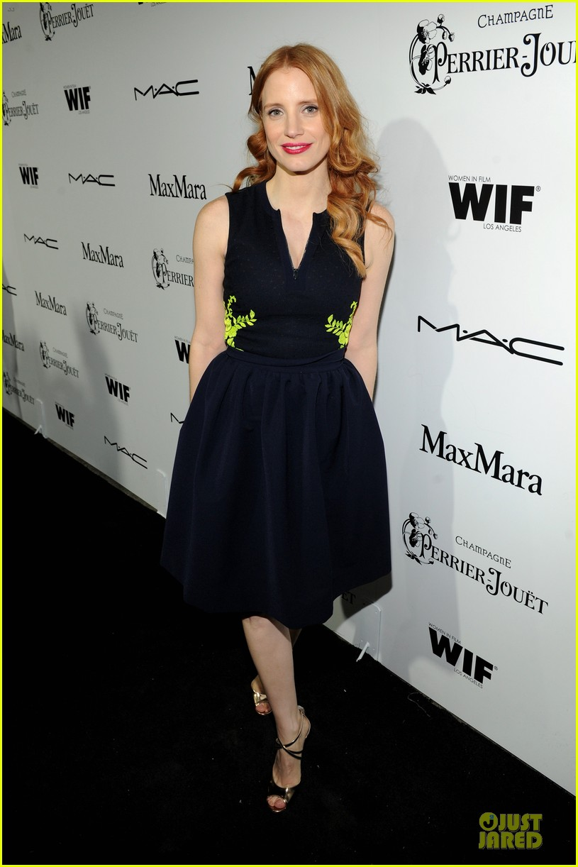 jessica chastain daniel radcliffe women in film pre oscar cocktail party 202817506