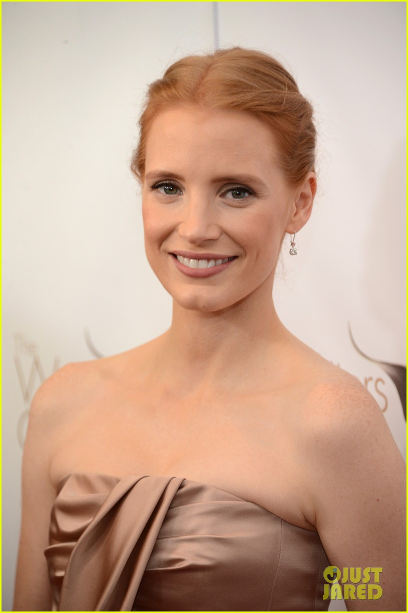 jessica chastain writers guild awards 2013 red carpet 03