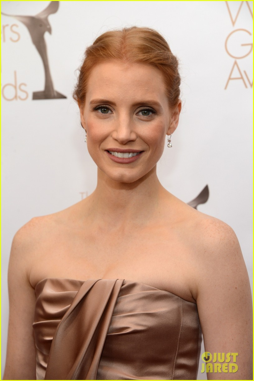 jessica chastain writers guild awards 2013 red carpet 05