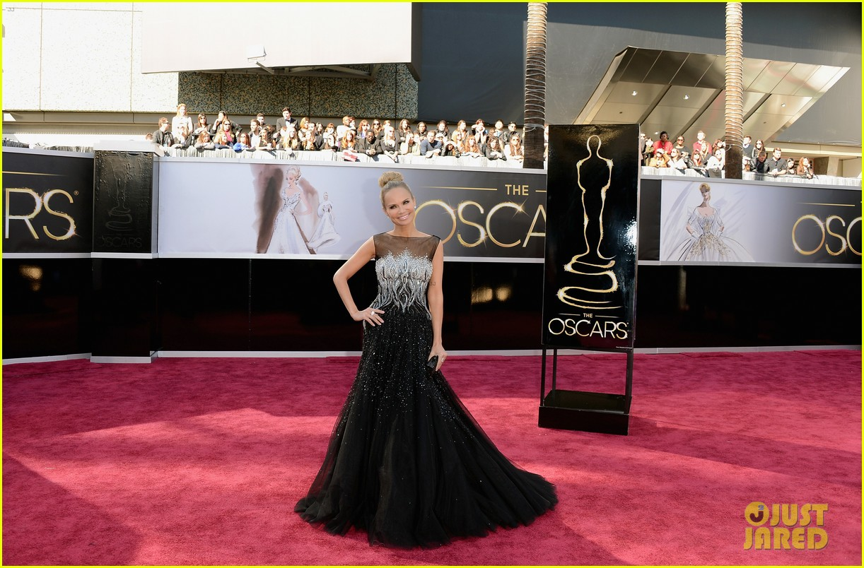 kristin chenoweth oscars 2013 red carpet 07