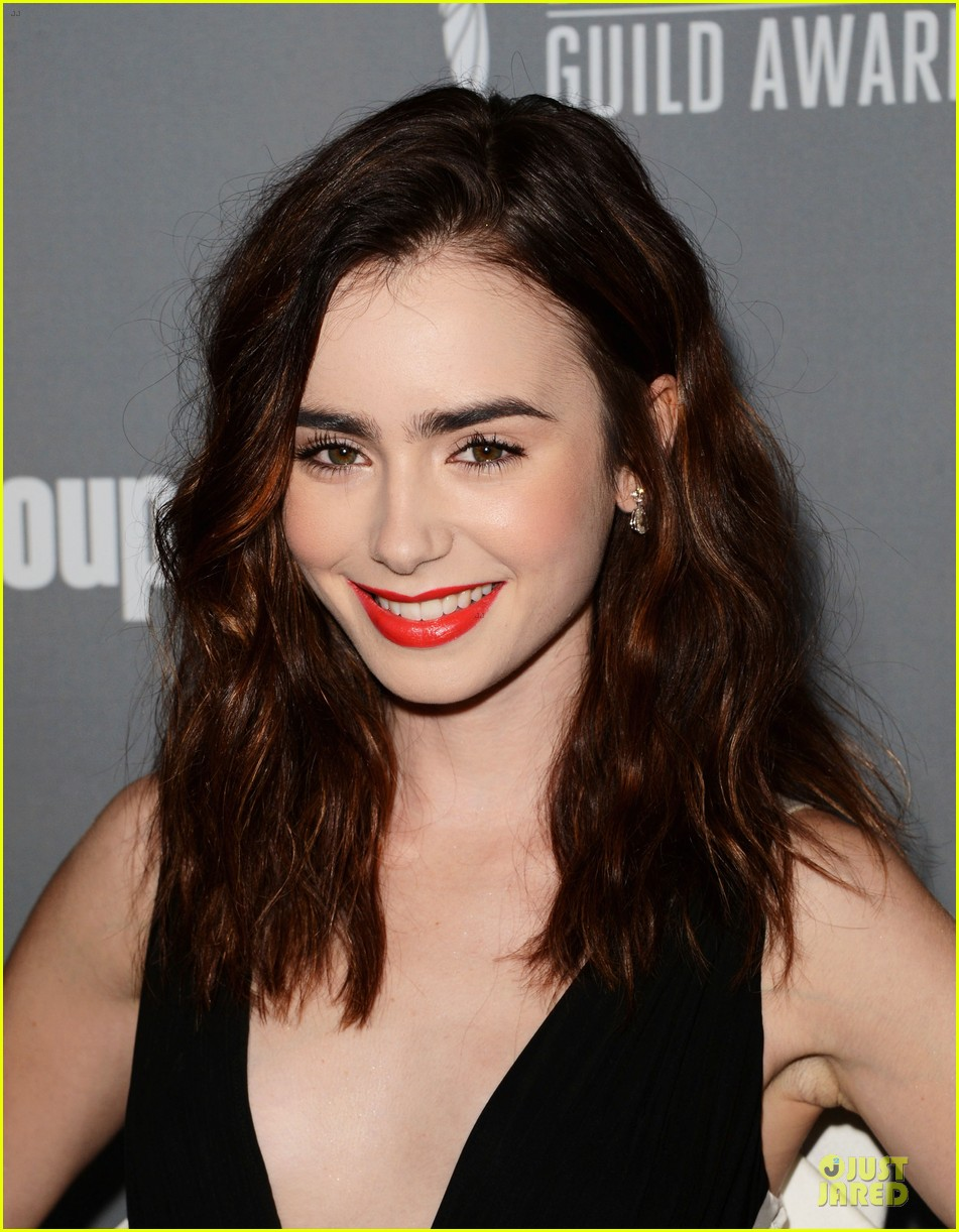 lily collins ashley madekwe cdg awards 2013 red carpet 02
