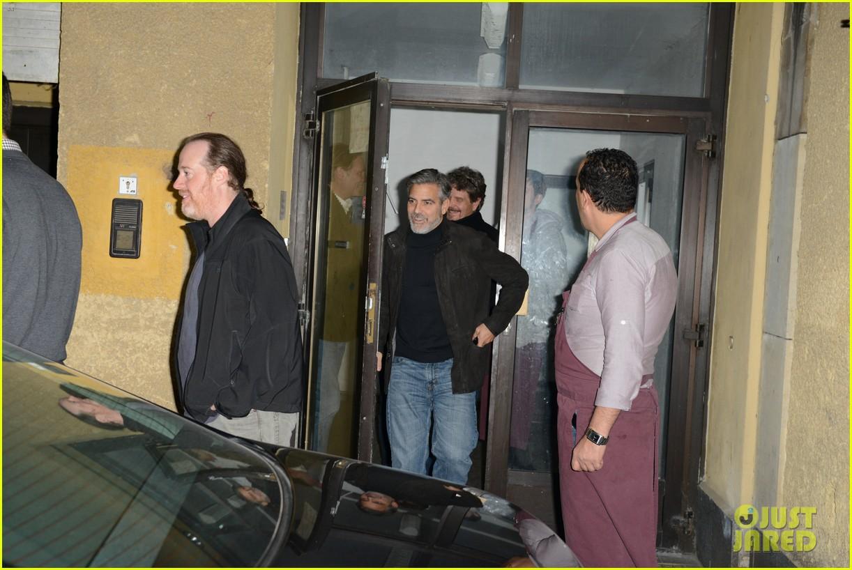 matt damon george clooney dinner duo in berlin 092806437