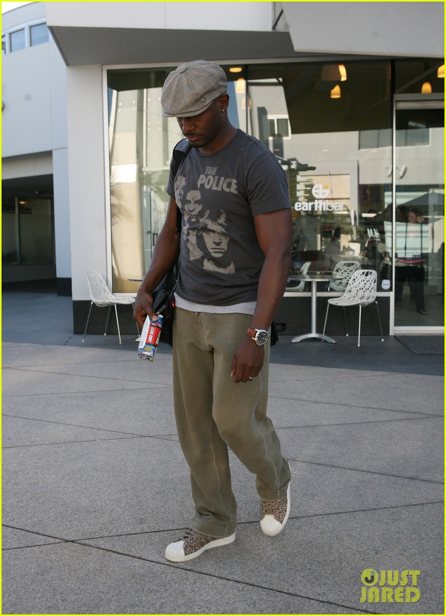 taye diggs home burglar has been charged 042802198