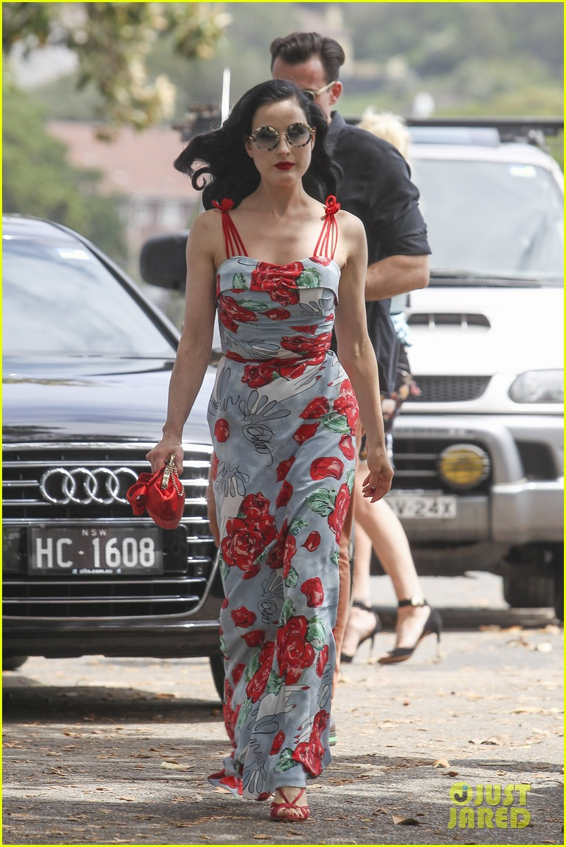 dita von teese catalina lunch with theo hutchcraft 01