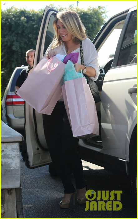 hilary duff baby shower with sister haylie 14