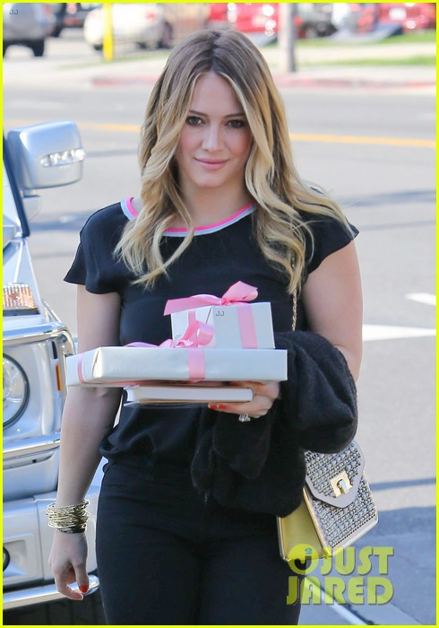 hilary duff baby shower with sister haylie 18