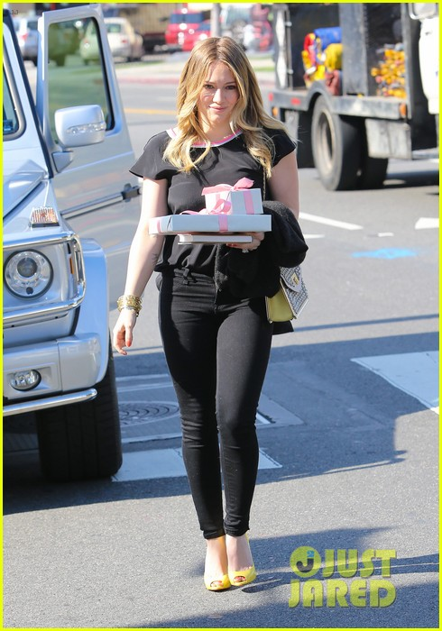 hilary duff baby shower with sister haylie 20