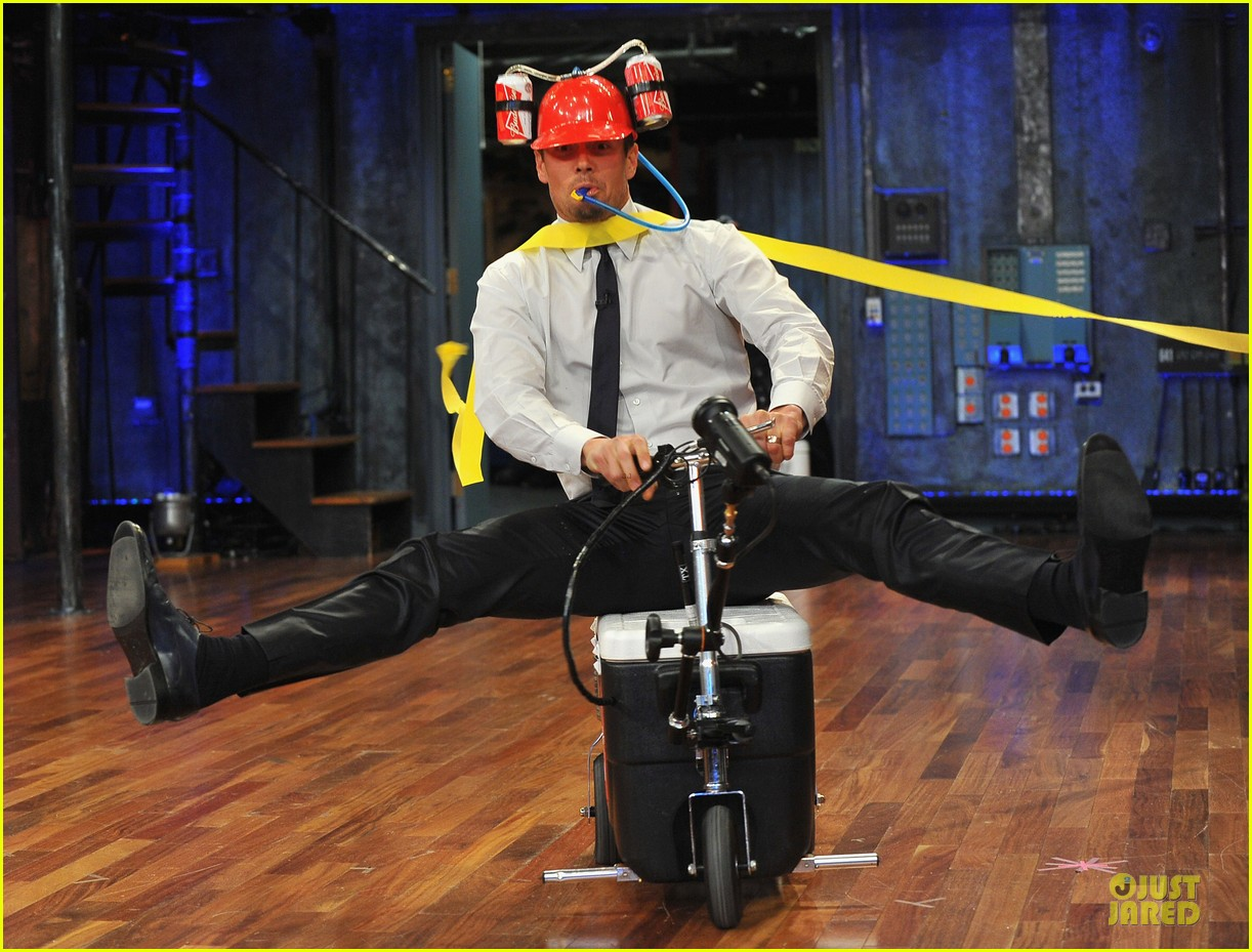 josh duhamel cooler races on fallon 01
