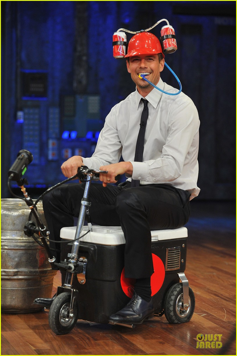 josh duhamel cooler races on fallon 072810971
