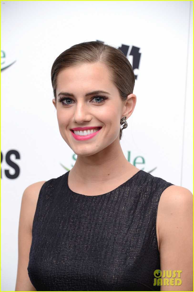 lena dunham allison williams no feud for girls stars 14