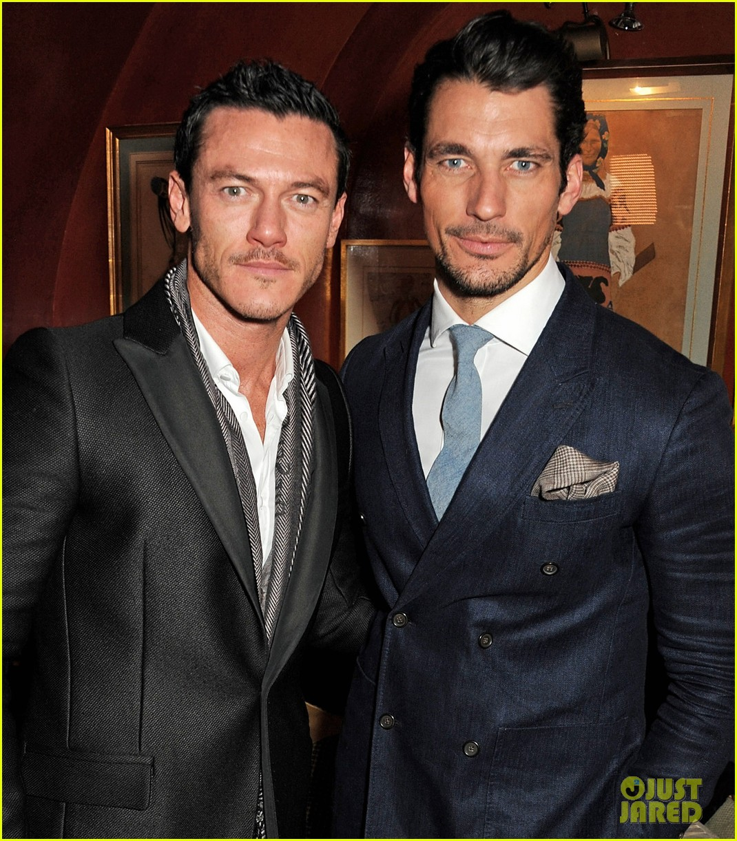 luke evans johnnie walker blue label launch 012805730