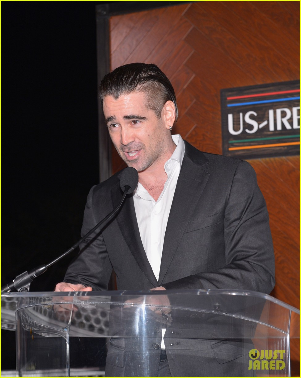 colin farrell pre oscars oscar wilde irish honoree 01