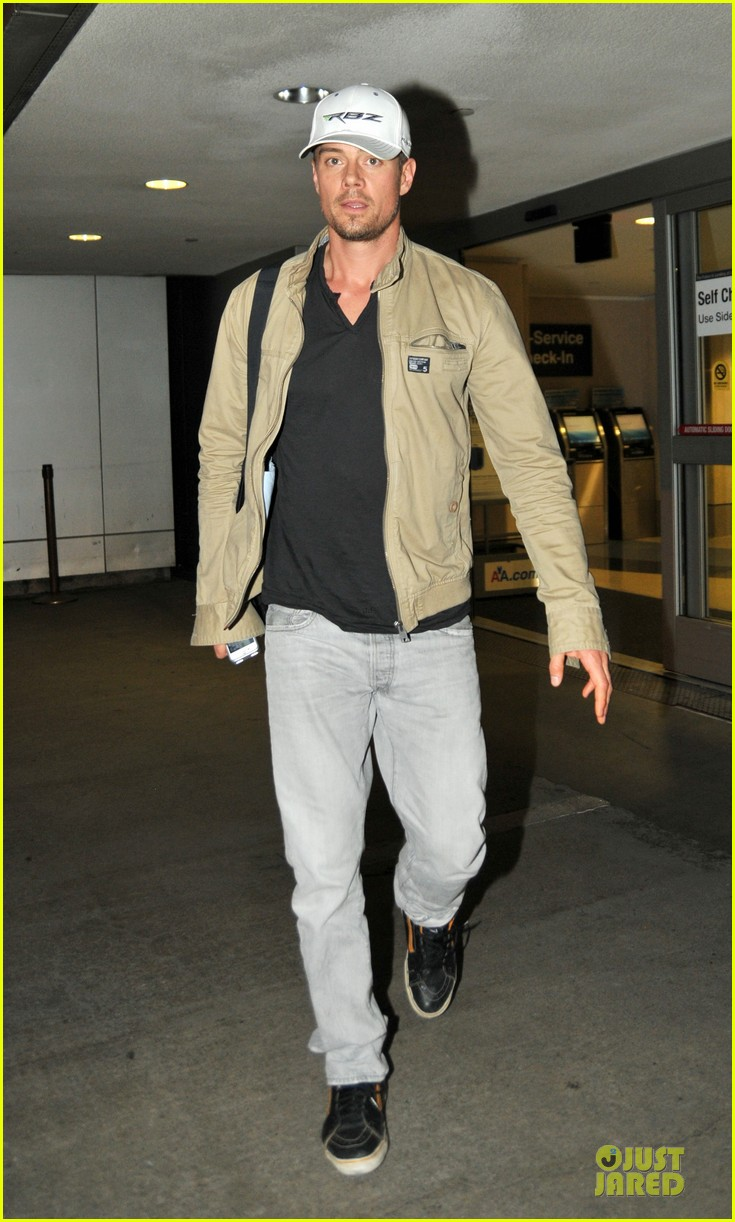 fergie josh duhamel is excited about scenic route sxsw debut 05