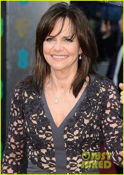 daniel day lewis sally field baftas 2013 red carpet 02