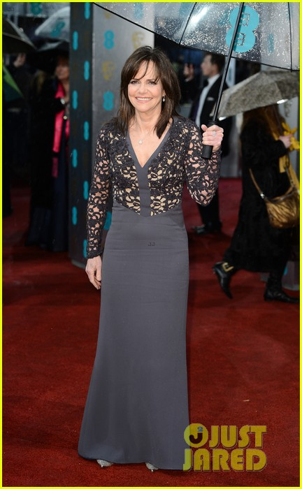 daniel day lewis sally field baftas 2013 red carpet 03