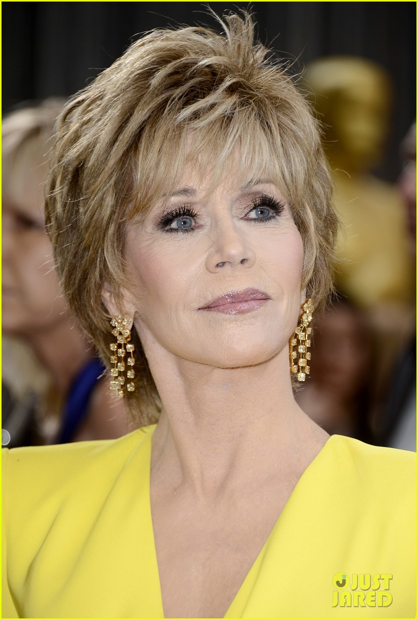 jane fonda oscars red carpet 2013 02