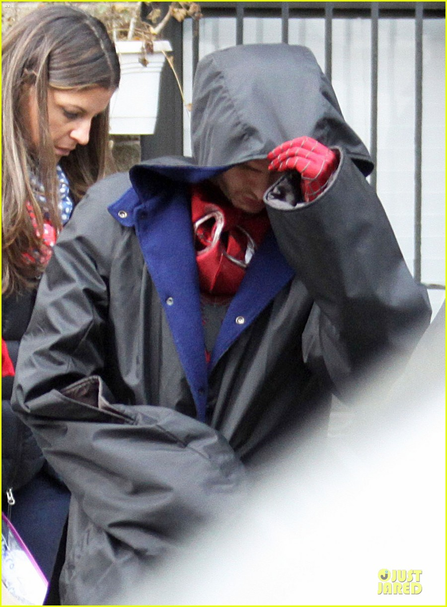 andrew garfield amazing spider man 2 suit first look 02