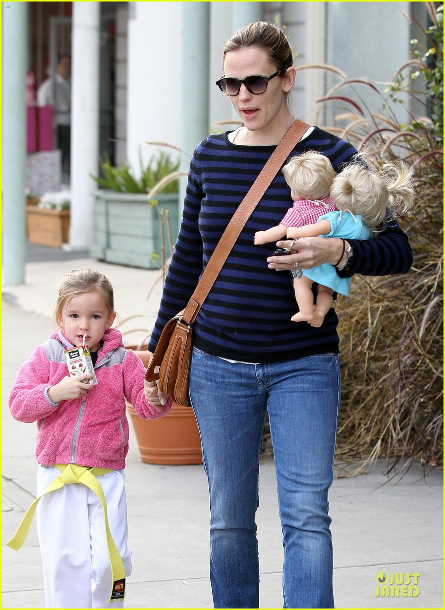 jennifer garner karate drop off with seraphina dolls 232803041