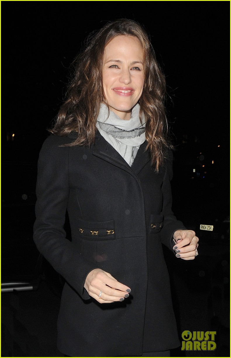jennifer garner ben affleck pre baftas dinner duo 16