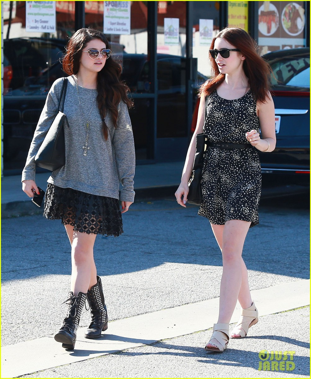 selena gomez sushi dan with lily collins 04