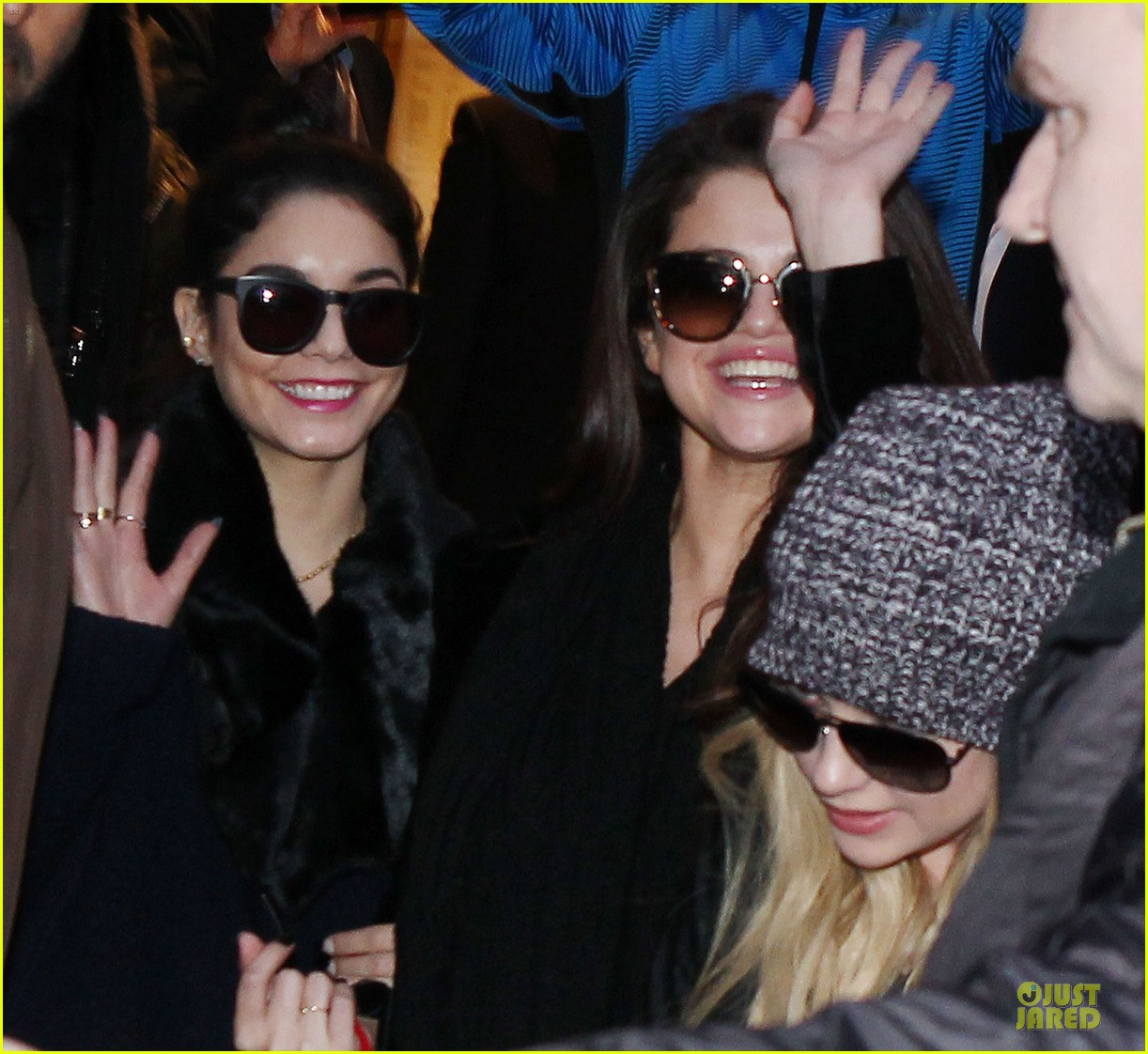 vanessa hudgens selena gomez spring breakers paris dinner 262813507