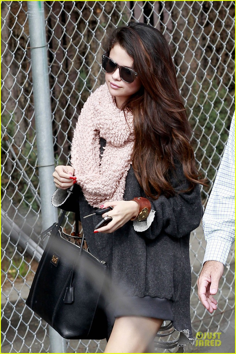 selena gomez lax car ride with fans 06