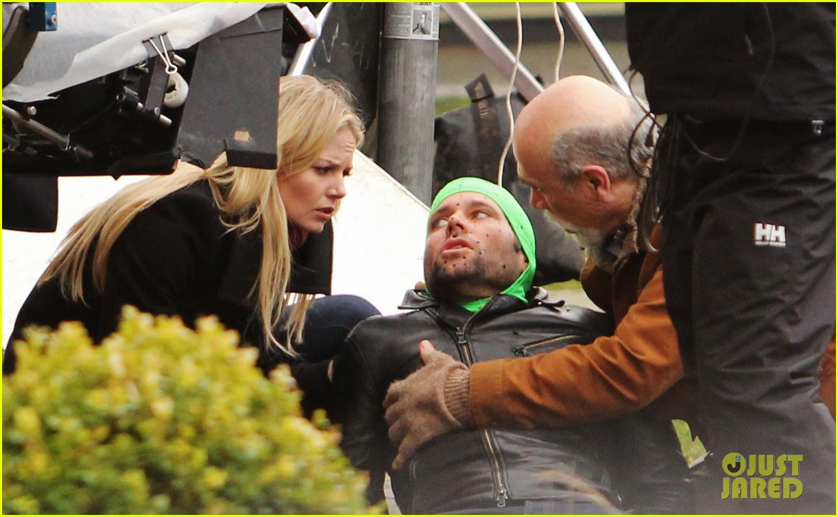ginnifer goodwin jennifer morrison once upon a time filming 10