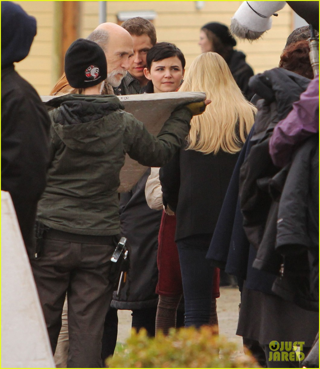 ginnifer goodwin jennifer morrison once upon a time filming 23