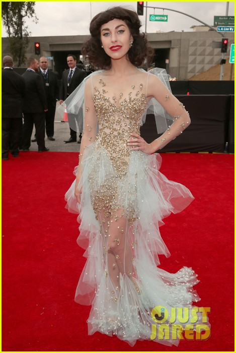 gotye grammys 2013 red carpet with kimbra 08