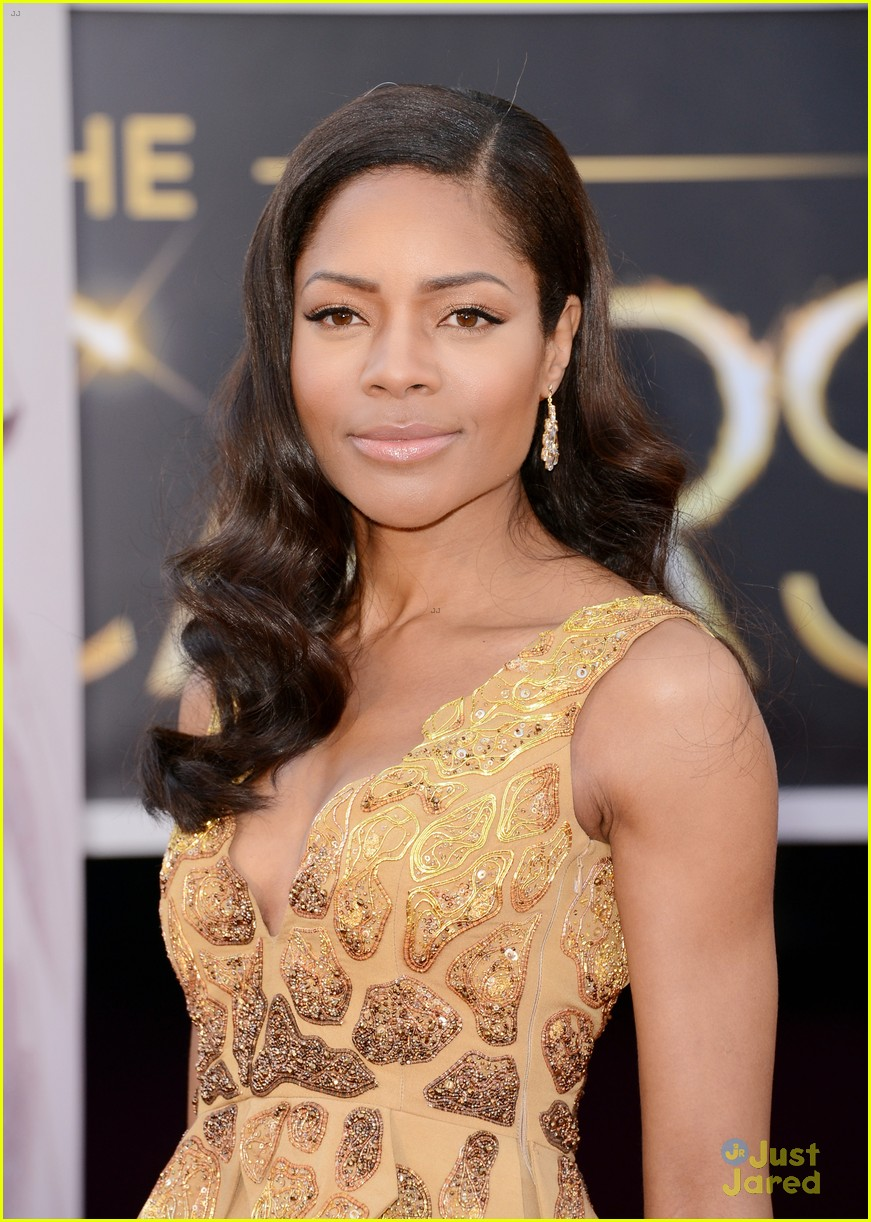 naomie harris oscars 2013 red carpet 02