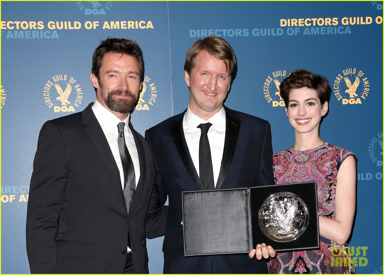 anne hathaway dga awards 2013 with hugh jackman 09