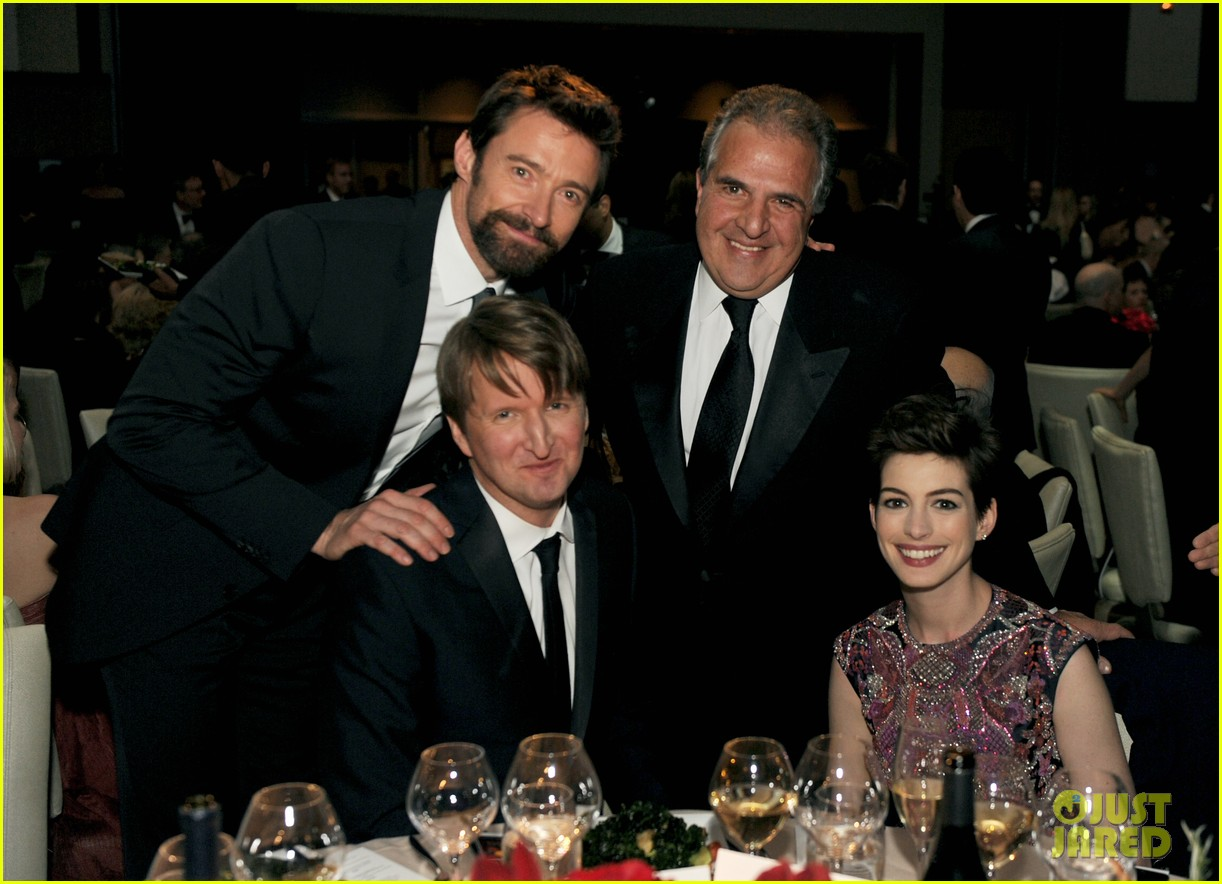 anne hathaway dga awards 2013 with hugh jackman 24