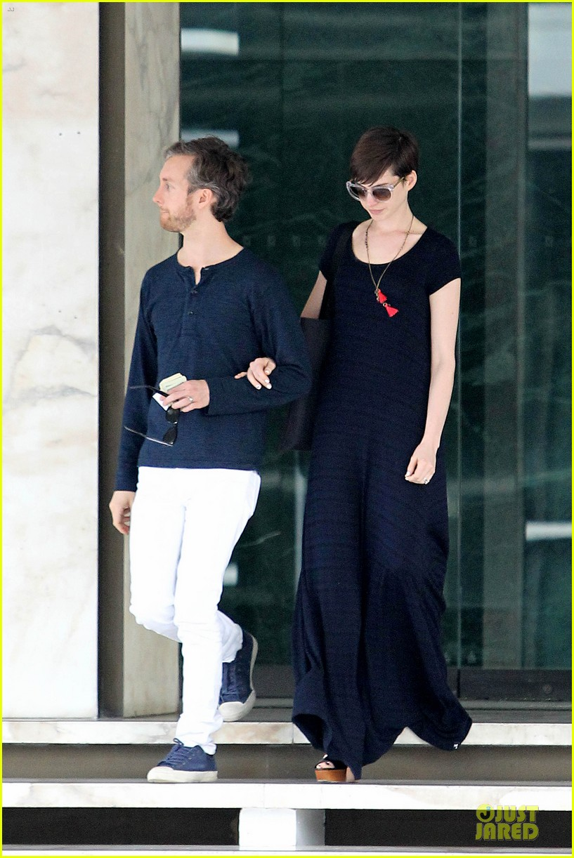 anne hathaway adam shulman medical office visiting couple 17