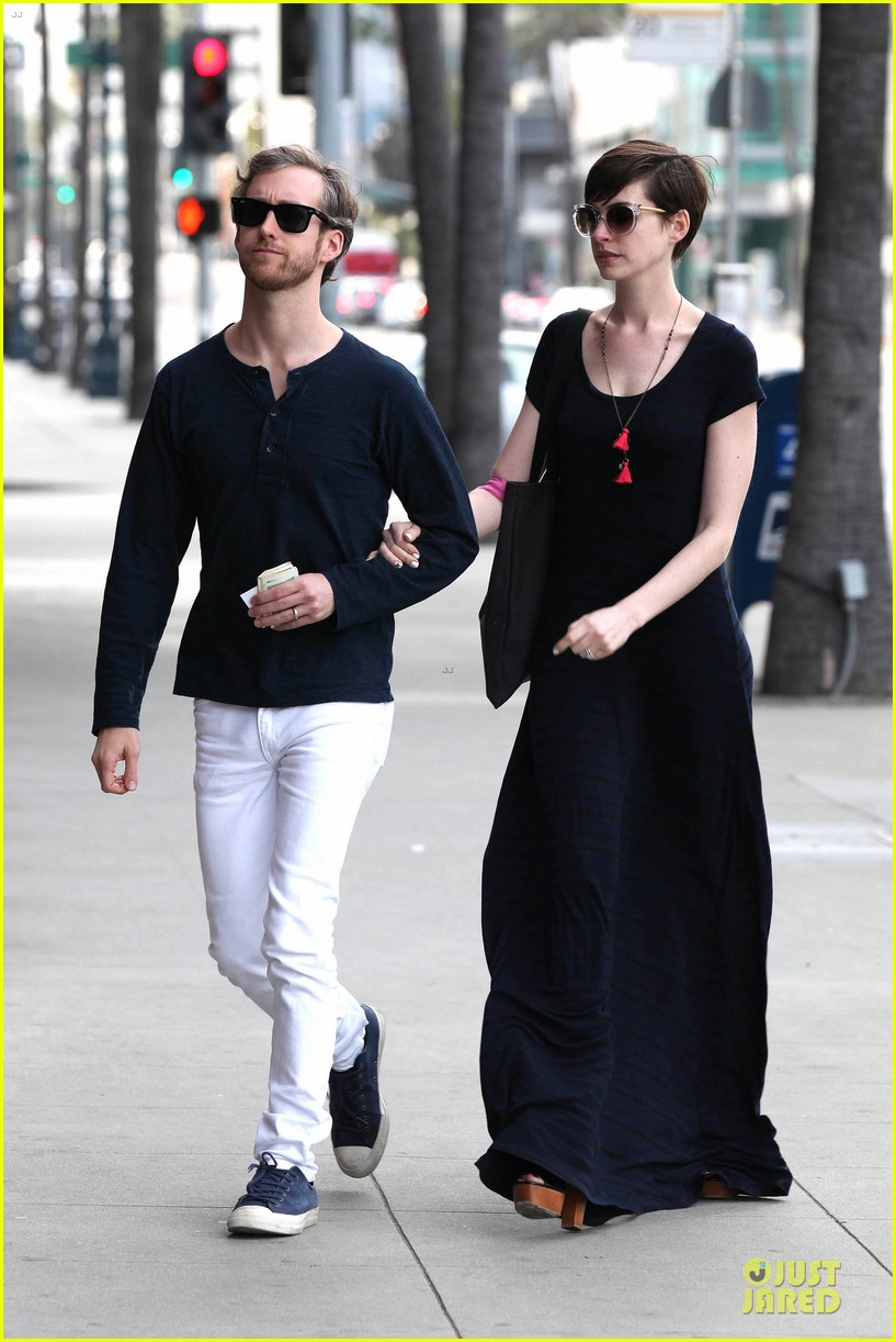anne hathaway adam shulman medical office visiting couple 20