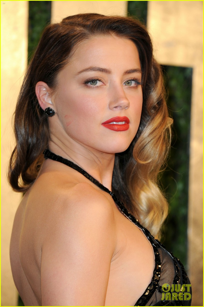 amber heard vanity fair oscars party 2013 04