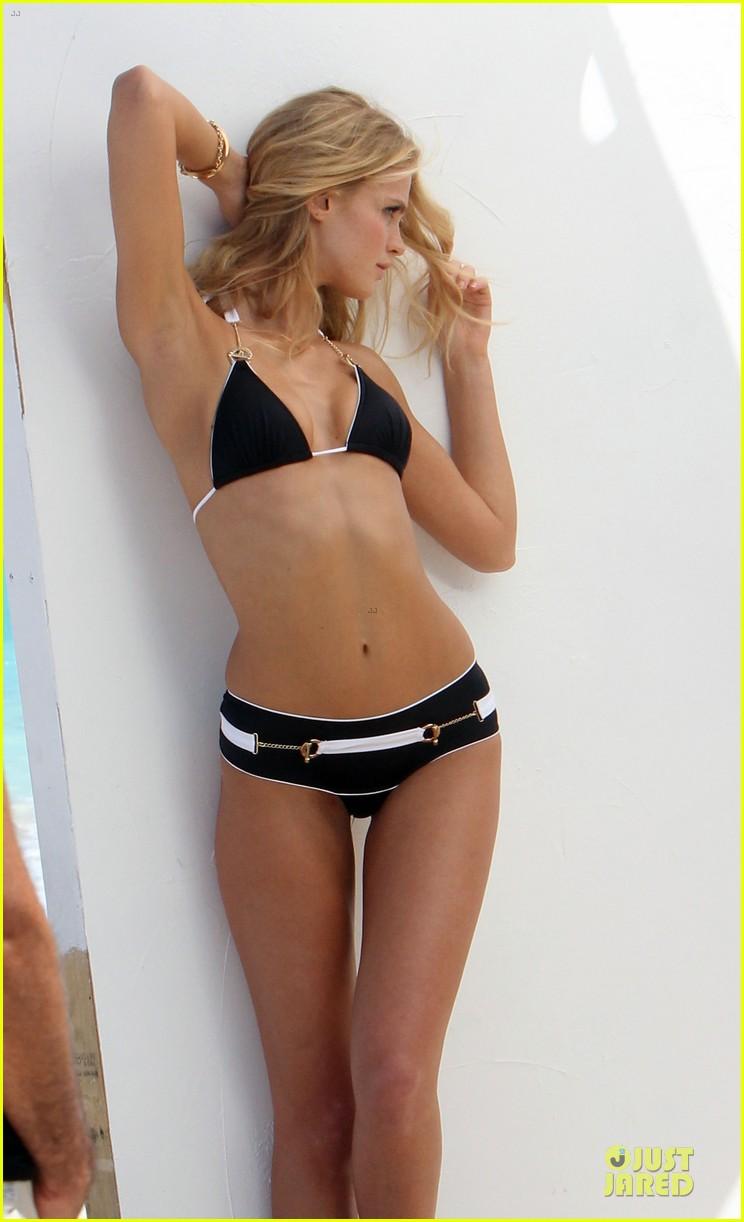 erin heatherton bikini shoot for victoria secret 34
