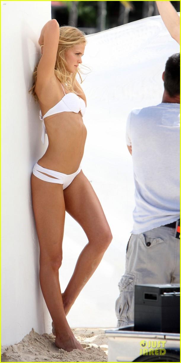 erin heatherton bikini shoot for victoria secret 36