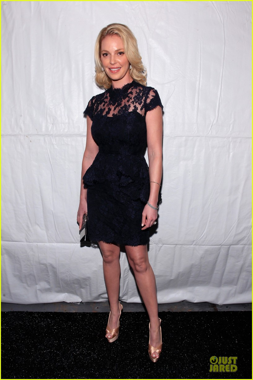 katherine heigl  reem acra fashion show 012810503