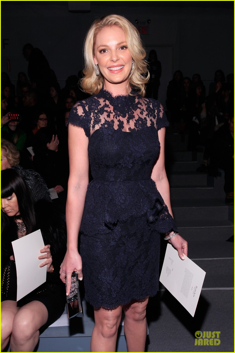 katherine heigl  reem acra fashion show 02