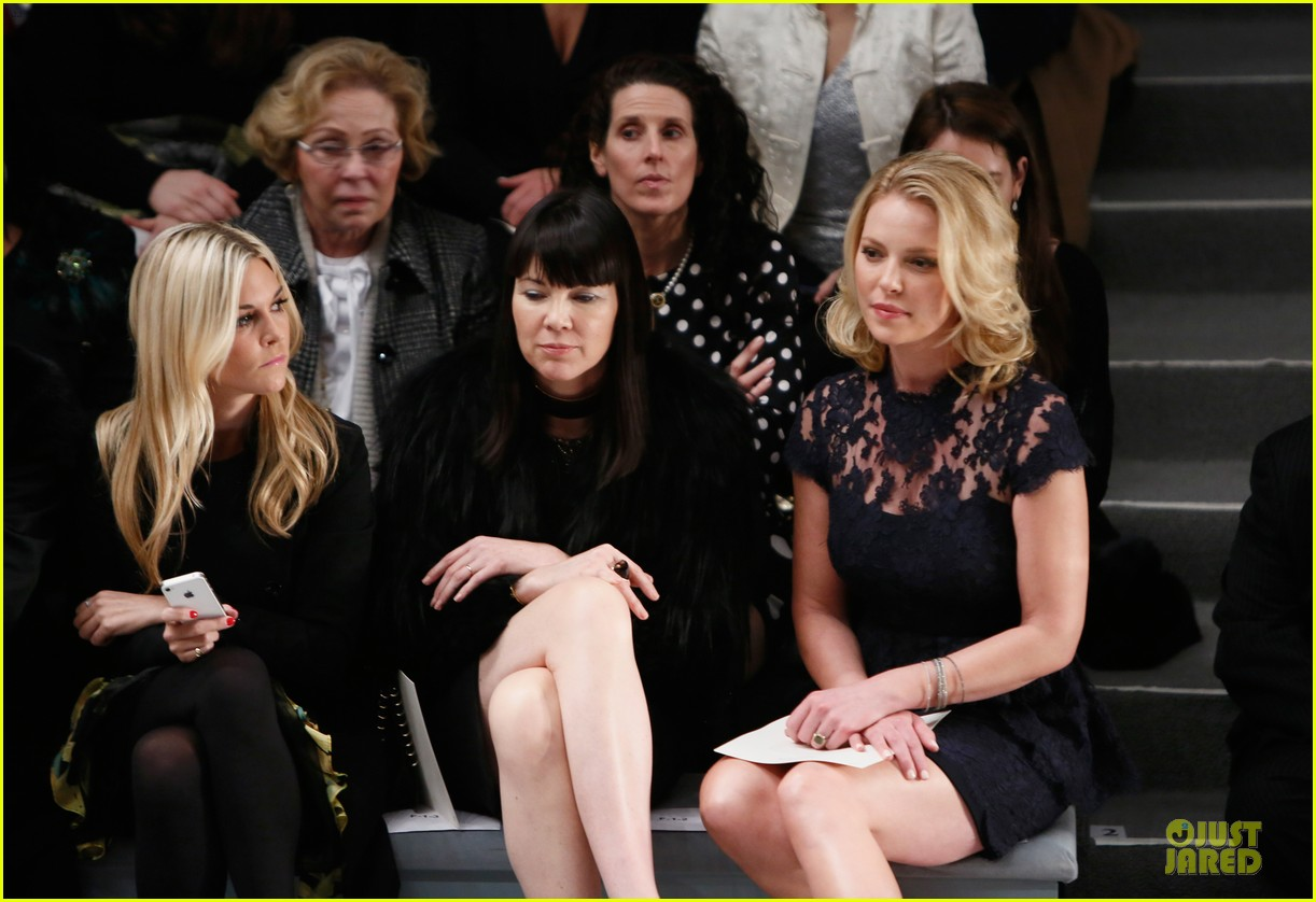 katherine heigl  reem acra fashion show 16