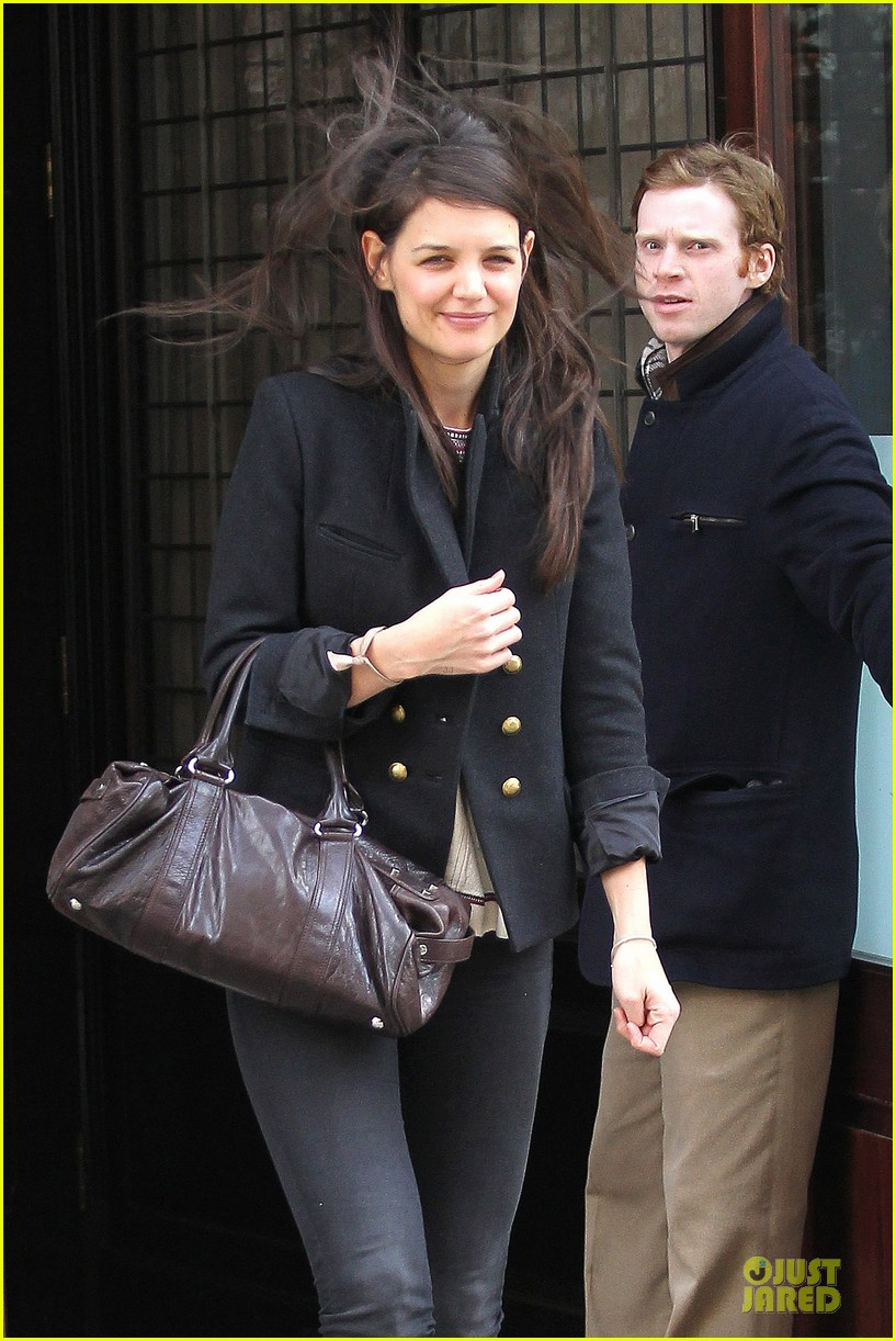 katie holmes skips new york fashion week this month 02