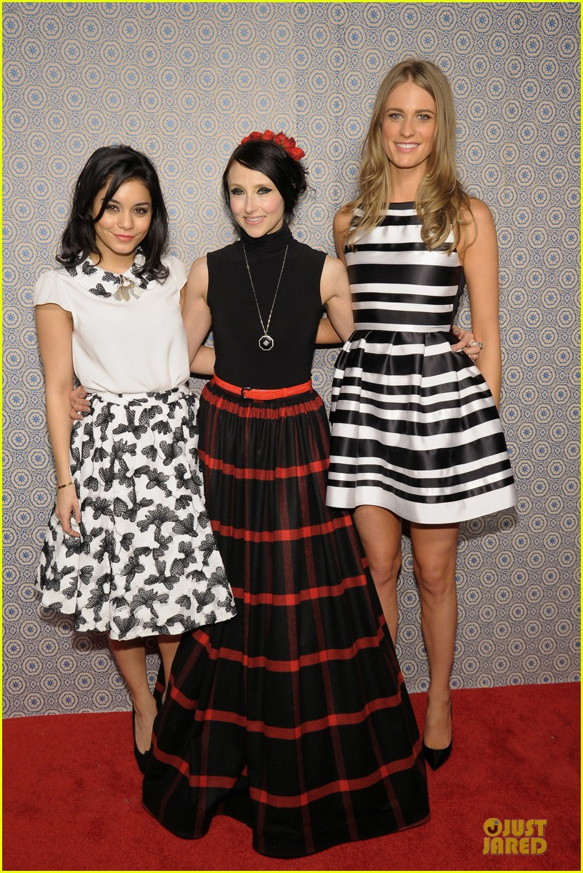 vanessa hudgens katharine mcphee alice olivia fashion show 28
