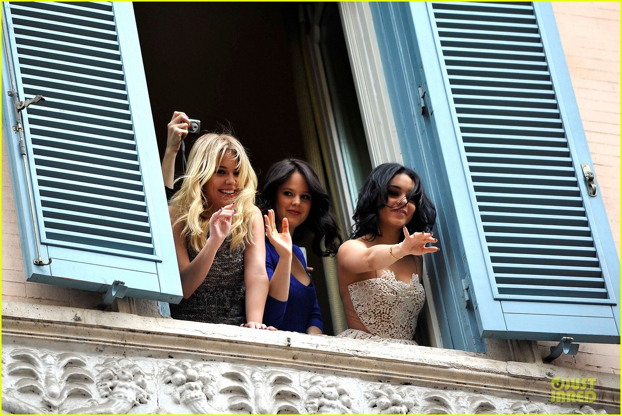 vanessa hudgens ashley benson spring breakers kisses in rome 182817695