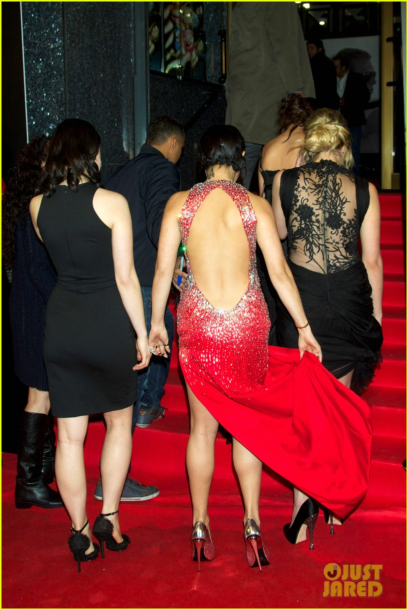 vanessa hudgens ashley benson spring breakers madrid premiere 02