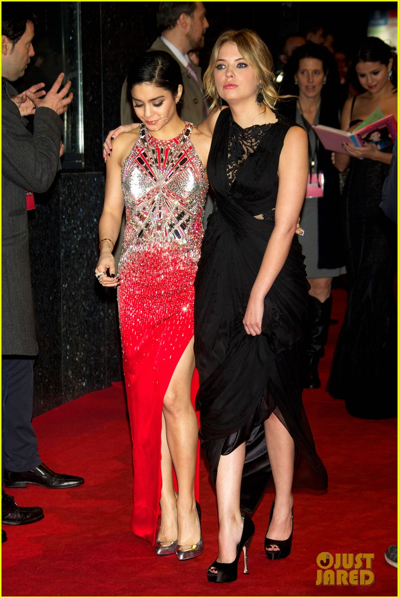 vanessa hudgens ashley benson spring breakers madrid premiere 042816607