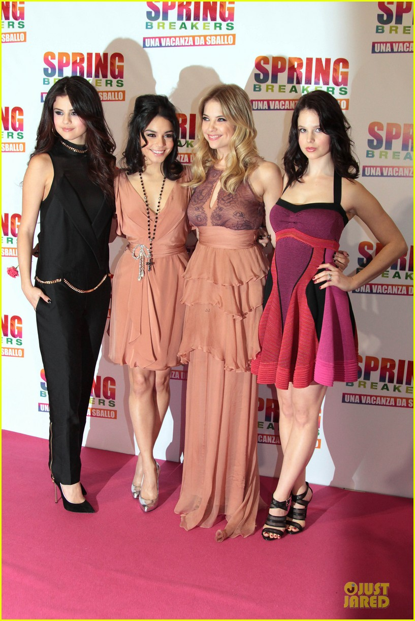 vanessa hudgens ashley benson spring breakers rome premiere 03
